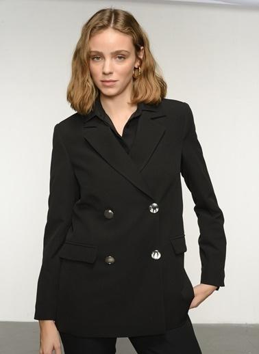 NGSTYLE NGKAW21CK0005 Kruvaze Kapamalı Ceket Siyah